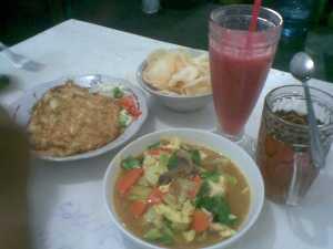 menu makan malam di PuloMas