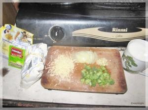3. Siapkan bumbu dan bahan untuk isian