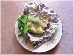 9. Kentang Brokoli saus Keju siap dinikmati, dengan cocolan saus.