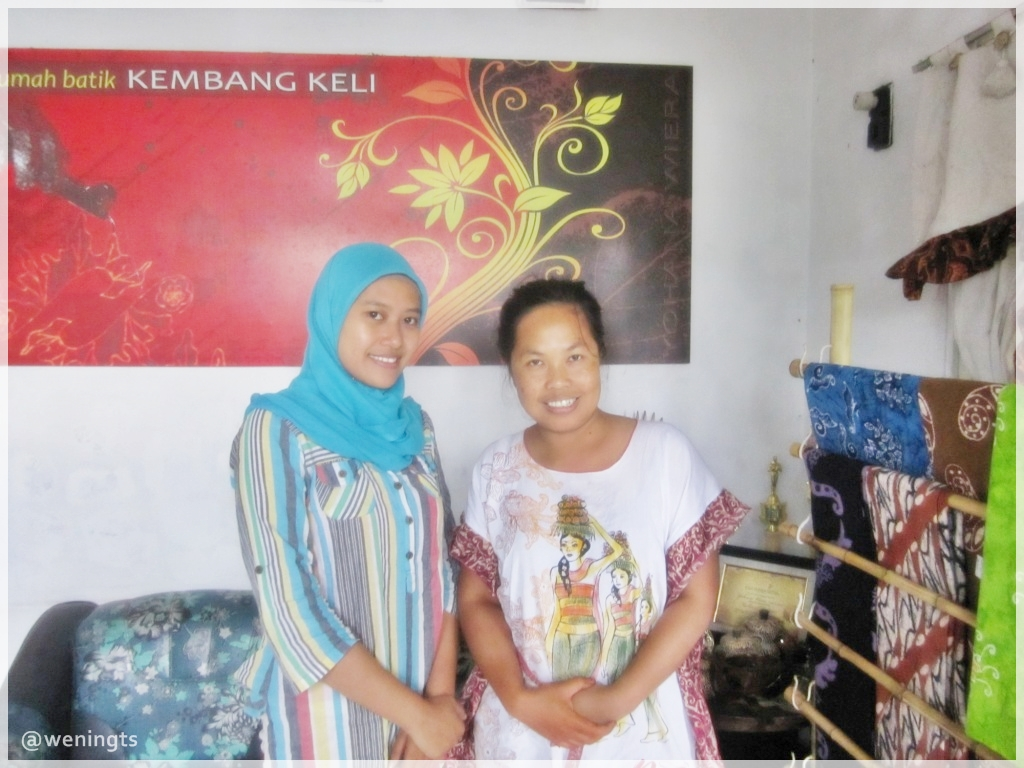 Ruang display Batik Kembang Keli