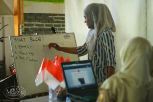 Pelatihan membuat blog di basecamp tiap satu minggu sekali