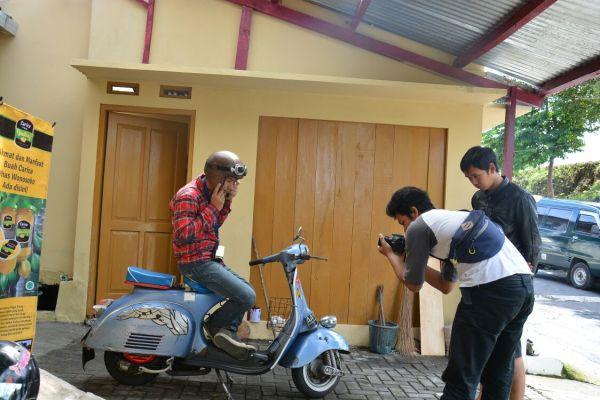Syuting hari ke-3 di Carica Gemilang Factory